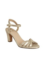 La Ravie shiny leather sandals