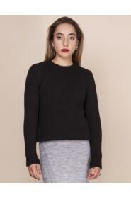 Sweter z delikatnym włosiem