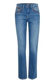 Karolina Fit Straight Leg Jeans