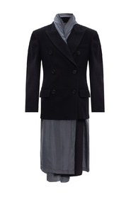 Coat with peaked lapels