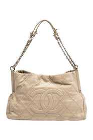 Front Logo Quilted Tote