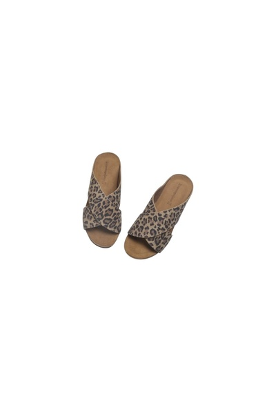 b33e0e4b3640 Copenhagen Shoes leopard-brown Frances Leo Shoes. Frances Leo Shoes