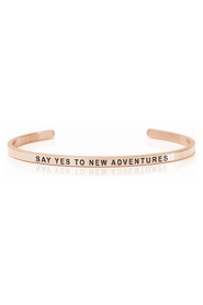 Armring med tekst - SAY YES TO NEW ADVENTURES - 3130