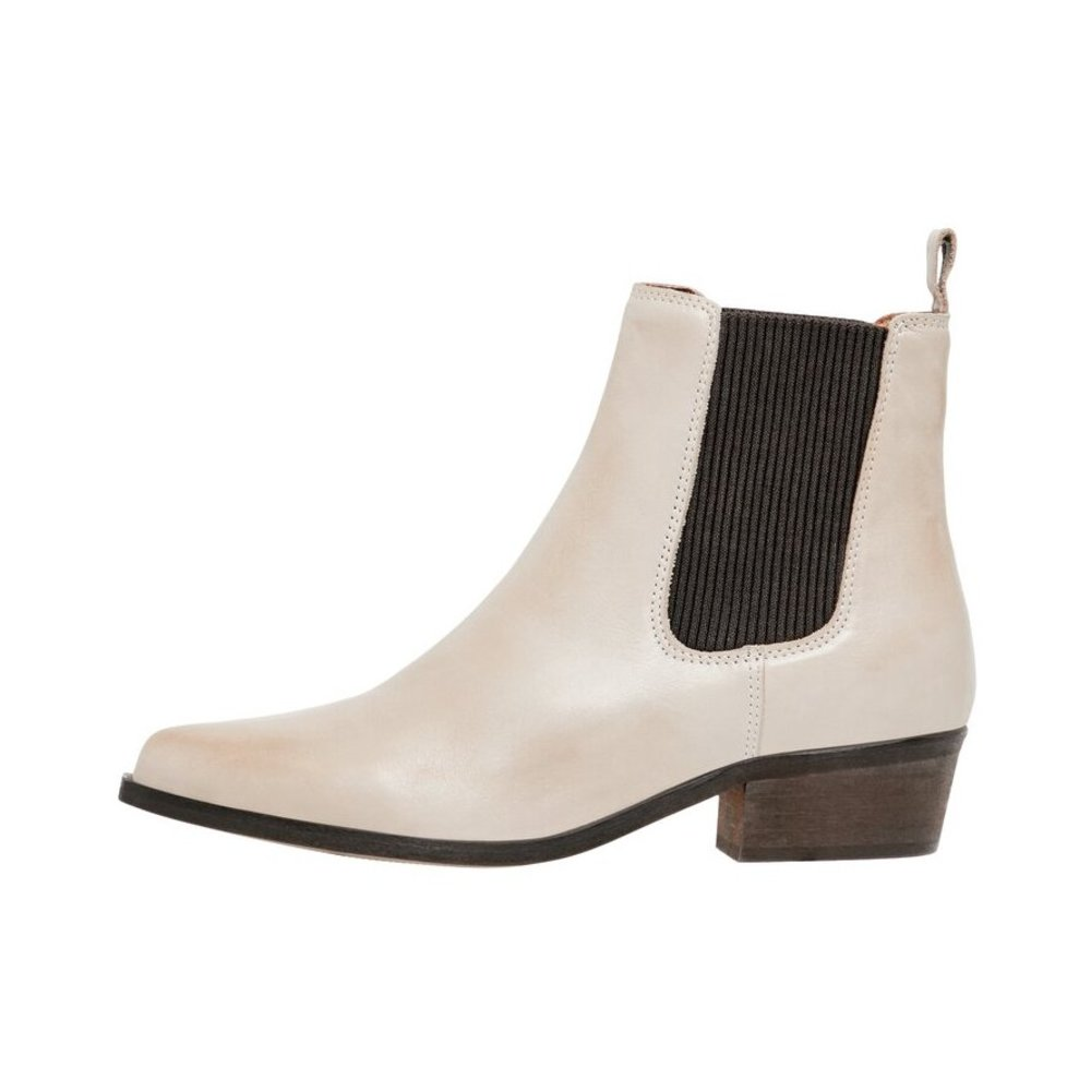 chelsea boots Western look