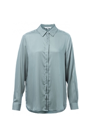 Shirt With Concealed Buttons