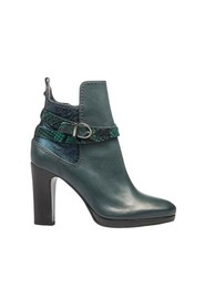 04 Ankle Boots
