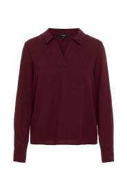 Shirt V-Neckline