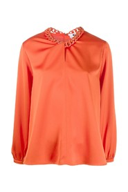 Chain-neckline blouse