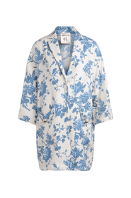 Sigmund white coat with light-blue floral pattern.