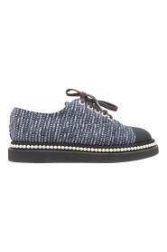 Pre-owned Tweed & Faux Pearl Sneakers
