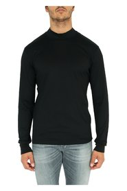 Long sleeve T-shirt with mock neck