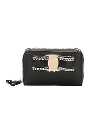 Vara Chain Leather Small Wallet