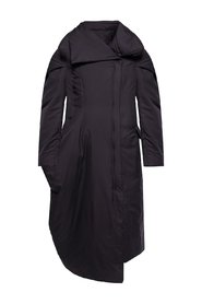 Coat with oversize collar