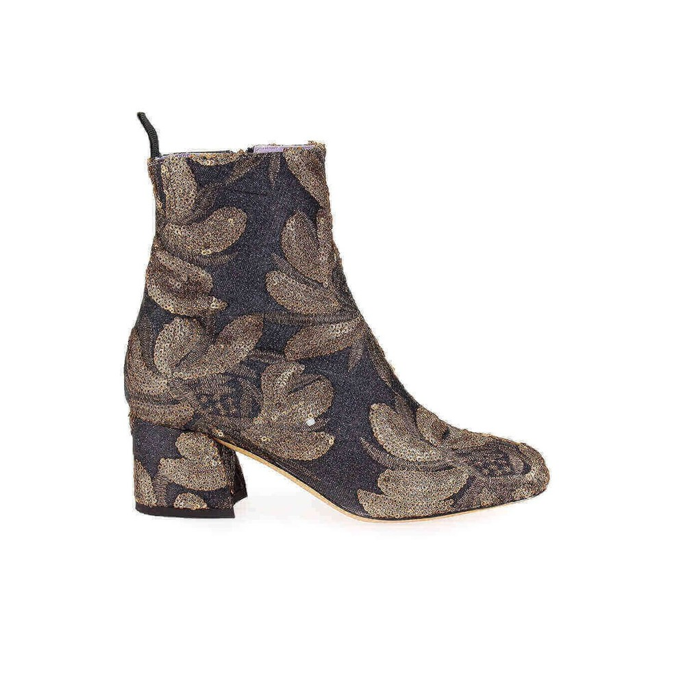 EMBROIDERED HEELED BOOT