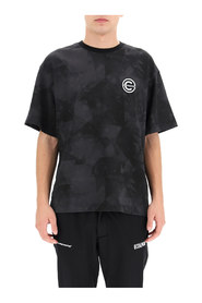 t-shirt kamouflage con patch logotyp