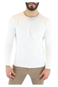 Linen sweater and internal t-shirt