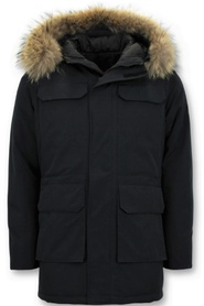 Winter jacket with large real fur collar