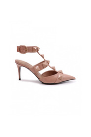Romanstud shoes