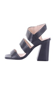 45040REINA Shoes with heel