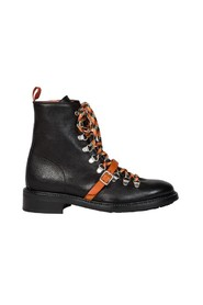 Mountain boots with laces and strap