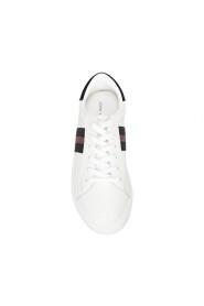 Tora Shoe