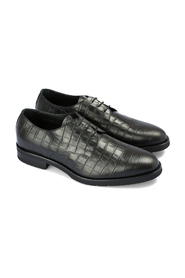 Crocodile print derby