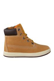 Sneakers Davis Square