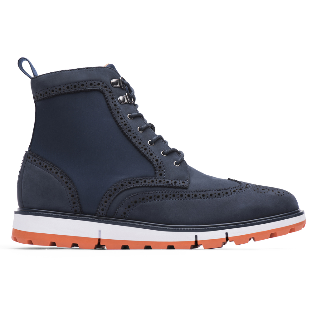 Motion wing tip boot