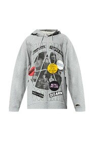 Hoodie with pin