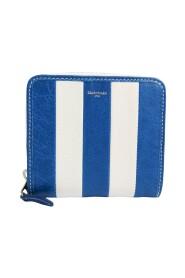 Pre-owned  443657 Leather Wallet (bi-fold)