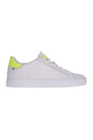 Leather sneaker with heel