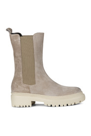 7140 Boots