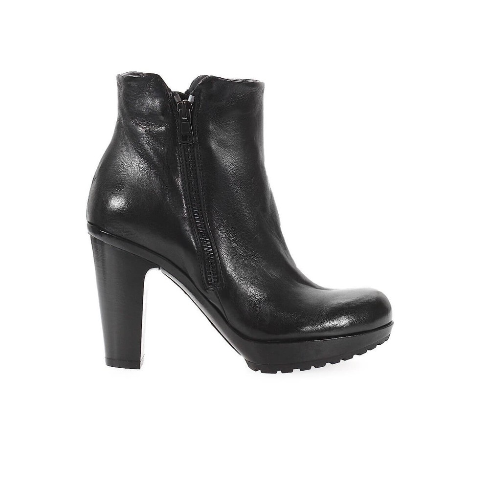 FRU.IT BLACK LEATHER HEELED BOOTIE