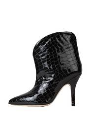Ankle boots with patent leather heel