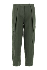 Gabardine pants Soft leg Button closure Ankle length Two front french pockets