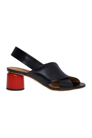 Halmanera sandal in black with crossed bands and heel