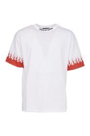 TSkjorte Røde Flammer