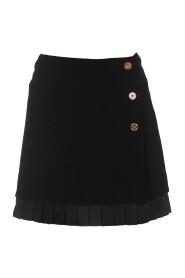 Skirt with pleated hem