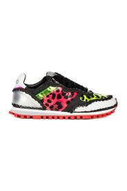 Wonder sneakers