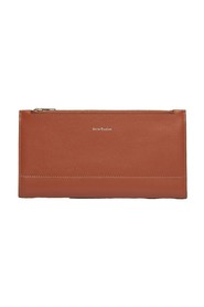Bifold continental wallet