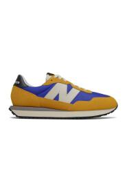 MS237AA Sneakers