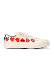Sneaker with hearts