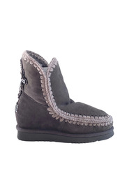 Inner Wedge Back Cross Patch Boot