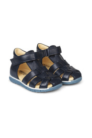 Starter sandalS with velcro closure
