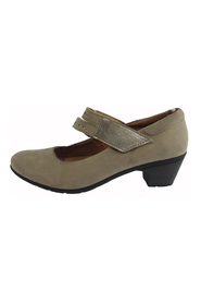 pumps with gelesaal from