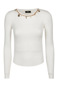 Long-sleeved shirt with charms