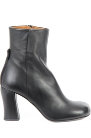 Boots 31023