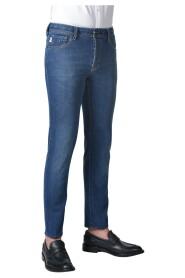 Leonardo 6 Month Jeans