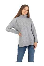 Cable-knit crew neck / turtleneck sweater