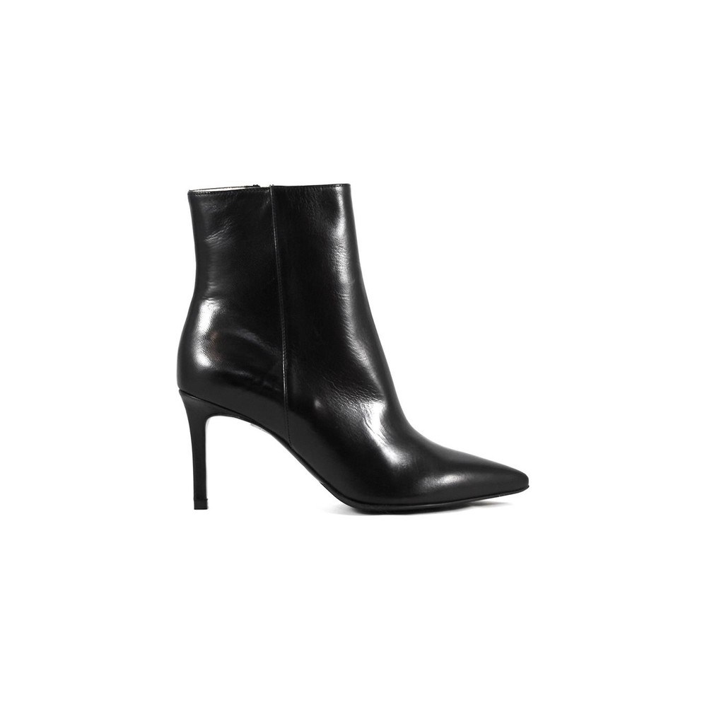 85011 ANKLE BOOT